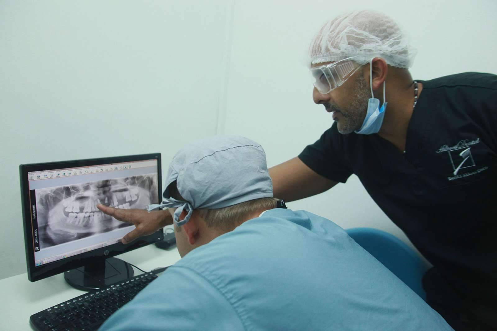 Trinon Collegium Practicum dental implant courses